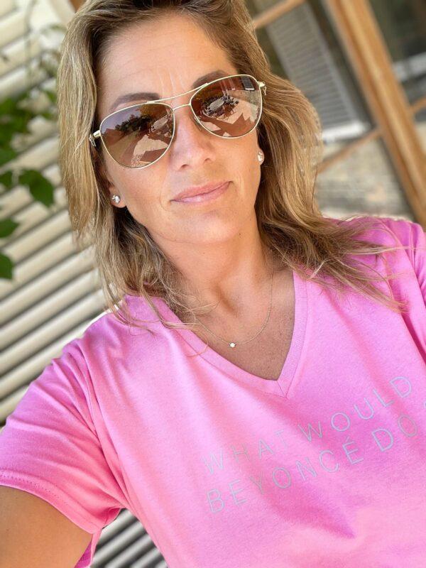 pink 'What would Beyoncé do?' tshirt